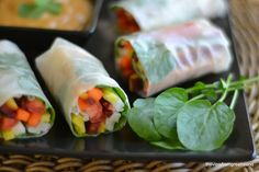 The view from Great Island: Rainbow Carrot Summer Rolls with Spicy Peanut Sauce Light, easy and delicious! I think I'd add avocado and other treats to take the delciousness to the next level! Vegan Sushi, Vegan Foods, Vegan Vegetarian, Vegetarian Recipes, Raw Vegan, Quesadillas, Raw Food Recipes, Healthy Recipes, Carrot Recipes