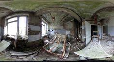 Equipos médicos oxidados en un antiguo hospital en Pripyat (Ucrania).
