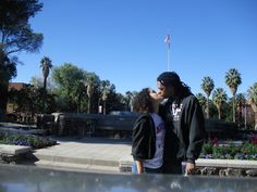"""Celebrando nosso amor onde se originou nos Nerds! Sim foi aqui que se filmou o filme """" A vingança dos Nerds"""". University of Arizona em Tucson, AZ"""