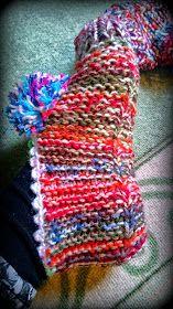 Arkimamman Arkiralli: Isomummilta liuta jämälankatossuja Knitting Socks, Knit Socks, Mittens, Friendship Bracelets, Slippers, Crochet, Accessories, Fashion, Fingerless Mitts