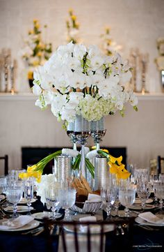 Excellent use of calla lilies!