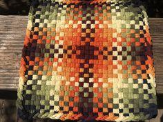 Potholder Loom, Potholder Patterns, Loop De Loom, Loom Craft, Crafts For Seniors, Colorful Garden, Weaving Patterns, Mug Rugs