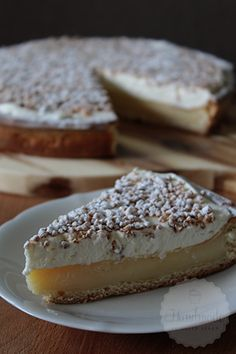 Vanille roomvlaai - Handmade by Helen ! Dutch Recipes, Tart Recipes, Sweet Recipes, Baking Recipes, Mousse Dessert, Köstliche Desserts, Delicious Desserts, Yummy Food, Bread Cake