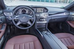 Mercedes E 220 T Bluetec, Cockpit