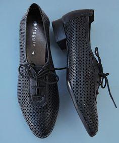 <ul>  <li><em><strong>JUST+ARRIVED!!</strong></em></li>  <li>100%+Genuine+leather</li>  <li>Froggie+shoes+are+engineered+for+comfort.</li>  <li>Beautifully+styled+from+quality+genuine+leather.</li>  <li>Cushioned+soles+ensure+all+day+comfort.</li>  </ul>