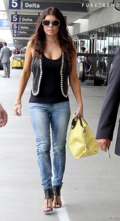 Fergie. Love her outfit!!! #Rockstarstatus