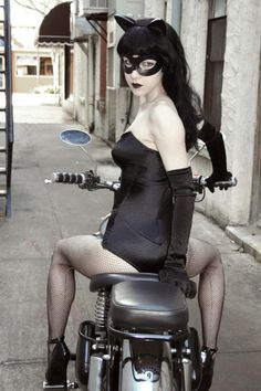 Denis Medri: 50's Catwoman (50's Rockabilly Batman) LadyLomax. | LADY LOMAX #COSPLAY