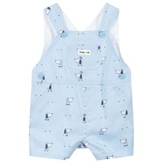 Pale blue dungaree shorts for baby boys by Mayoral Newborn, with a cute all-over dog print. They are made in soft cotton and have a lightweight lining. There are button fastenings on the sides and on the shoulder straps. Dungarees Shorts, Boy Blue, Kids Online, Kids Outfits, Shop Now, Baby Boys, Shoulder Straps, Dog, Button
