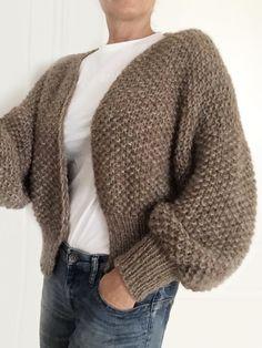 Crochet Baby Sweater Pattern, Knit Cardigan Pattern, Knit Crochet, Cable Knitting Patterns, Knit Patterns, Tweed, Pijamas Women, Mohair Sweater, Knit Fashion