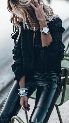 #spring #outfits woman in black jacket and pants sitting on chair. Pic by @fashion.and.sugar