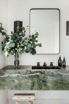 Bathroom Inspiration, Interior Design Inspiration, Green Interior Design, Green Marble Bathroom, Marble Bathrooms, Modern Bathrooms, Interior Architecture, Interior And Exterior, Interior Minimalista