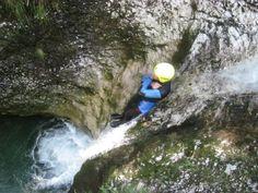 Canyoning (foto: Soča rafting d.o.o., Bovec, Slovenia)