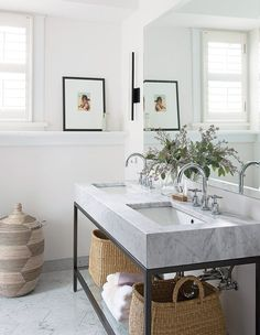 Go inside this modern-meets-vintage house by designer Sam Sacks and see how she incorporated family heirlooms with contemporary finishes. Decor Interior Design, Interior Decorating, Diy Interior, Simple Interior, Interior Modern, Home Luxury, Beautiful Bathrooms, White Bathrooms, Marble Bathrooms