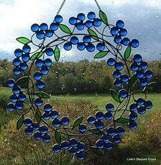 Details about Christmas Wreath Suncatcher Stained Glass-style window hanging - Cool Glass Art Designs Stained Glass Suncatchers, Stained Glass Designs, Stained Glass Panels, Stained Glass Projects, Fused Glass Art, Glass Wall Art, Stained Glass Patterns, Leaded Glass, Stained Glass Art