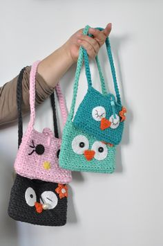 Crochet For Boys, Love Crochet, Diy Crochet, Crochet Coin Purse, Crochet Purses, Crochet Keychain, Selling Crochet, Crochet Shoulder Bags, Crochet Carpet