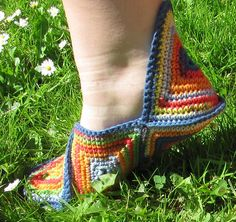 Free: 12 Squares = 1 pair slippers pattern by Pia Lindén