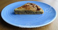 Κιμαδόπιτα με πράσο και γραβιέρα #Mincedmeat #meat #greekrecipe #pie #tastedriver Spanakopita, Pie, Ethnic Recipes, Desserts, Food, News, Torte, Postres, Tart