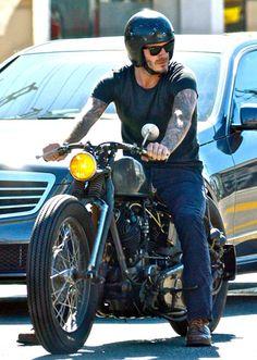 David Beckham se luce con su hermosa Chopper dando un paseo por  West Hollywood