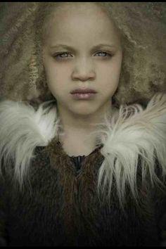 Ava Edney as Taylah Lee Singleton