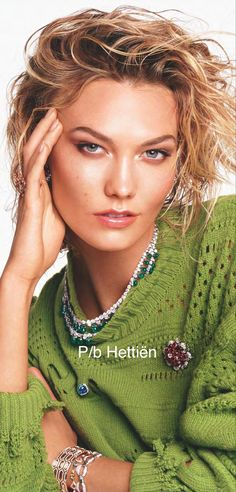 Karlie Kloss, Furs, Green Colors, Knitwear, Dreadlocks, Cold, Hair Styles, Baby, Jewellery