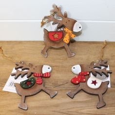 Cute Wooden Reindeer Christmas Tree Hanging Decoration or Christmas Gift Tag