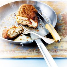 A la crème ou bien panée, roulée ou cuisinée façon paupiette, l'escalope de veau nous en fait voir de toutes les saveurs. A travers ce diaporama, découvrez...
