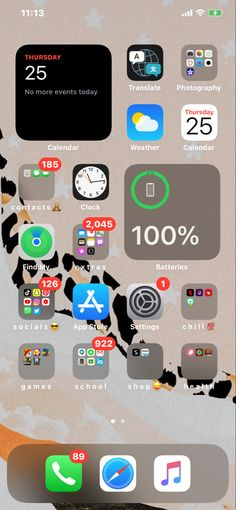Iphone Home Screen Layout, Iphone App Layout, Organize Phone Apps, Whats On My Iphone, Iphone Life Hacks, Iphone Wallpaper App, Iphone Wallpapers, Iphone Icon, Phone Organization