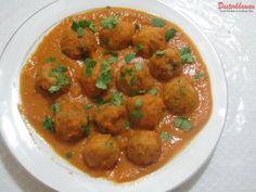 how to make Pakistani Kofta Recipe – Pakistani Meatballs with Curry. A classic recipe from Pakistan.