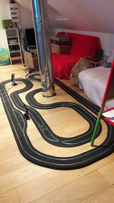 Ho Slot Cars, Slot Car Racing, Slot Car Tracks, Scalextric Track, Man Cave Home Bar, Model Trains, Scale Models, Carrera, Layouts