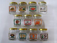 Újrahasznosított befőttes üvegek: kézzel festett fűszertartók   Szépítők Magazin Salt And Pepper, Craftsman, Diy, How To Make, Ideas, House, Salt N Pepper, Artisan, Bricolage