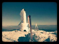 En la cumbre se San Lorenzo. Un espectacular día para hacer esquí de travesía.