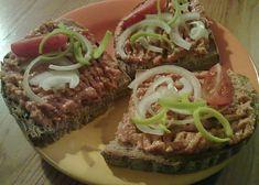 Výborná bulharská pomazánka recept - TopRecepty.cz Sandwich Cake, Sandwiches, No Salt Recipes, Cooking Recipes, Party Snacks, Meatloaf, Food Porn, Food And Drink, Appetizers