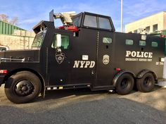 NYPD ESU Old Police Cars, Police Truck, Military Police, 6x6 Truck, Old Pickup Trucks, 4x4, Radios, 1st Responders, New York Police