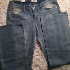 20% Off Bundles❗️l.e.i. Boot Cut Jeans Never worn. NWT. ✅ Bundle and save on shipping! ✅ All reasonable offers are considered.  ✅ I always ship right away.  ❌ PayPal ❌ Trades ❌ Lowballing lei Jeans Boot Cut