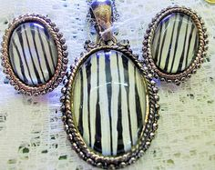Vintage jewelry set, black banded agate & silver pendant, clip on earrings, gift box