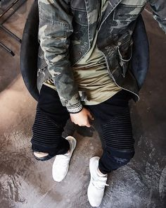 """#SMJSTYLE on Instagram: """"#outfitfromabove ✔️ - Jacket @manieredevoir Bracelet @officialbuddhatobuddha Tee @favelaclothing Jeans @coutie_com Sneaker Ultra Boost Adidas #smjstyle"""""""