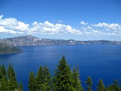 Is Your Family on a Vacation Travel Budget? Bargain Travel Sites Make Cheap Travel a Reality Beach Trip, Beach Travel, Crater Lake National Park, Cascade Mountains, Great Vacations, Places To Visit, River, Oregon, Parks