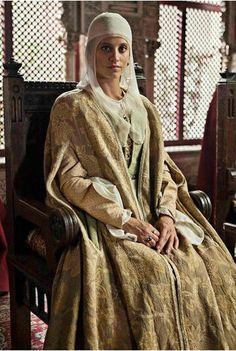 Isabel la Católica Period Costumes, Movie Costumes, Cool Costumes, Amazing Costumes, 1500s Fashion, Isabel I, 15th Century Clothing, Isabella Of Castile, Lucrezia Borgia