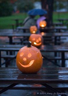 light your tables with jack-0-lanterns