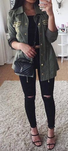 ootd: top + rips + bag + khaki jacket