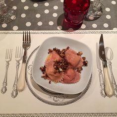 Ravioli gorgonzola e noci caramellate al miele! @pierollo_7 e poi non TVB... per sta ricetta ho dovuto fare un corso accelerato di francese  #lastnight #dinner #valentinesday