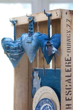 Foto....recycled denim hearts...