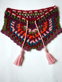 shortinho de crochê