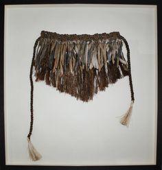 Flax Weaving, Wedding Pantsuit, Feather Skirt, Flax Clothing, Maori Designs, Nz Art, Maori Art, Cloaks, Weaving Patterns