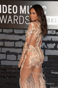 2013 MTV Video Music Awards - No underwear??? why???She can't afford them lol no booking the past few years!