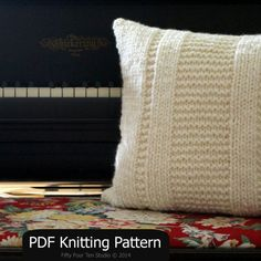 Pillow knitting pattern - quick & easy!  Great knitting gift idea.  Super bulky yarn & big needles.