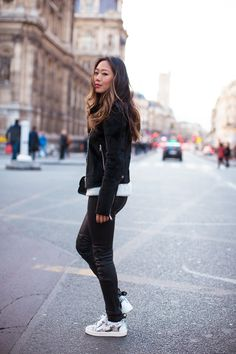 song_of_style_blk_leather_pants_sneakers