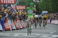 Stage 3 - Tour de France 2012 - Peter Sagan wins - Forrest Gump over the line