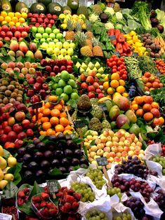 Fruit Market Barcelona 44 New Ideas Fruit And Veg, Fruits And Vegetables, Fresh Fruit, Colorful Fruit, Exotic Fruit, Fruit Picture, Fruit Shop, Fruit Decorations, Fruit Photography