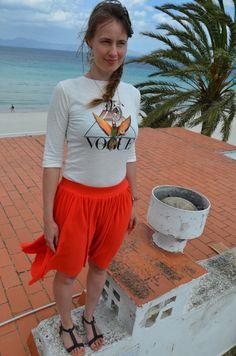 Outfit: Vogue-Shirt und Plisseerock by golden cage